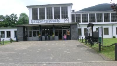 Der Haupteingang des Besucherbergwerks. Hier wurden Blei- und Zinkerz gefördert.