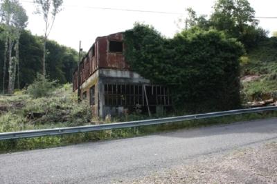 Reste der Grubengebäude September 2008