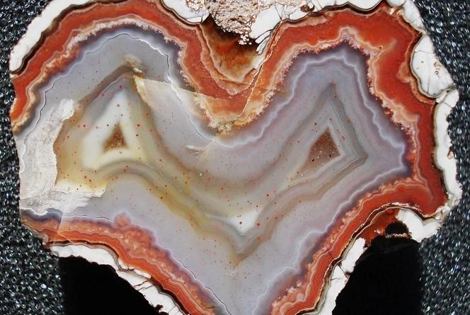 Achate und Fossilien aus den Kiesgruben von Arcen und Tienray, Niederlande mit Impressionen von den Fundstellen