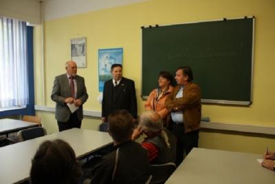 Unser neuer Vortragsraum. Herr Wiesenborn, Herr und Frau Görtz, Manfred Hermes und ein paar warme Worte zur Eröffnung.