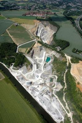 Der Steinbruch aus der Luft. (Quelle Google)