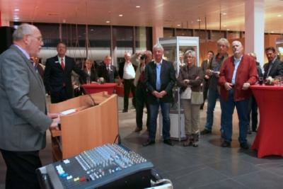 Manfred bei der Eröffnung der Ausstellung.